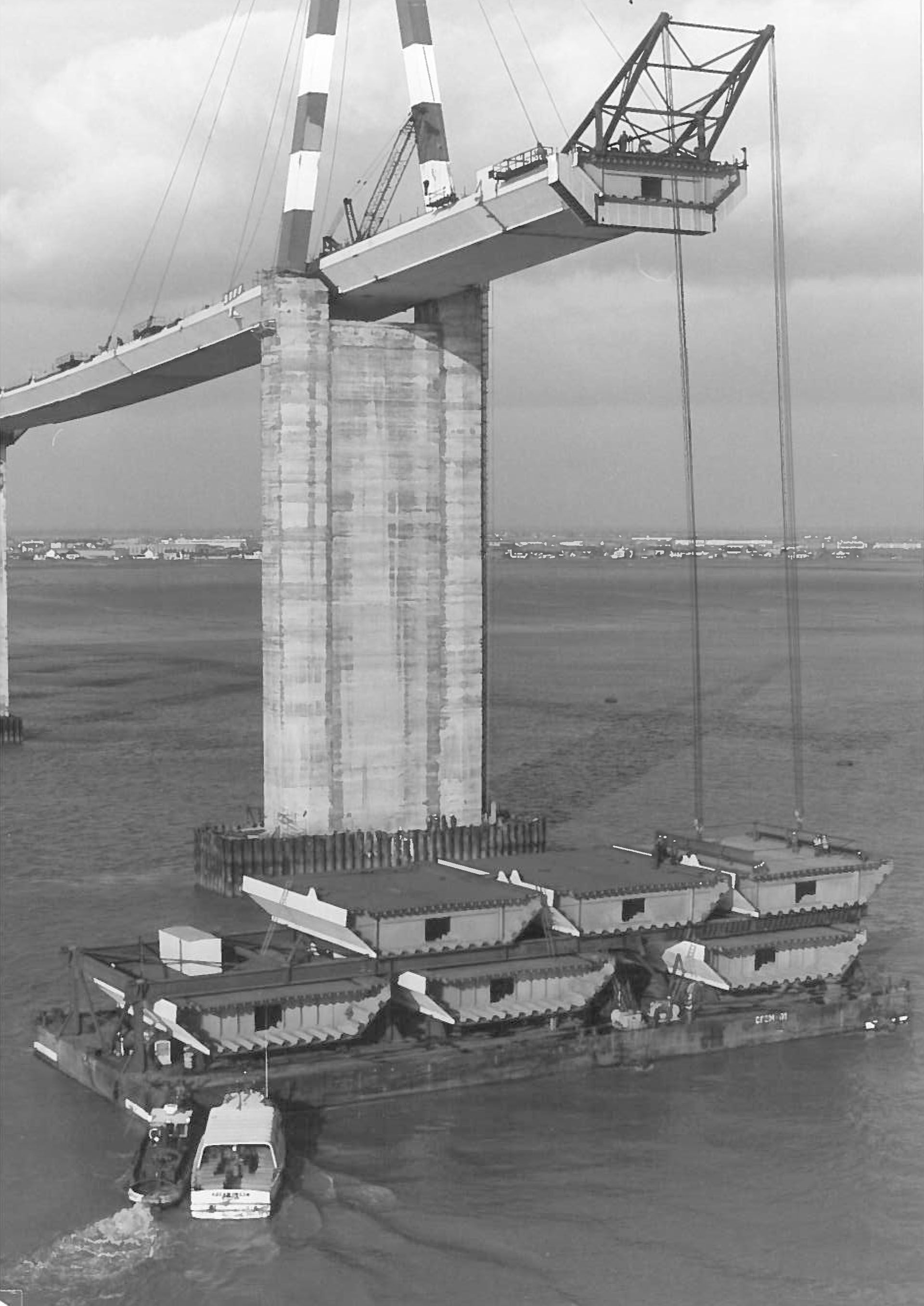 1974 construction du pont de saintnazaire tslp 40 for Bureau plus st nazaire
