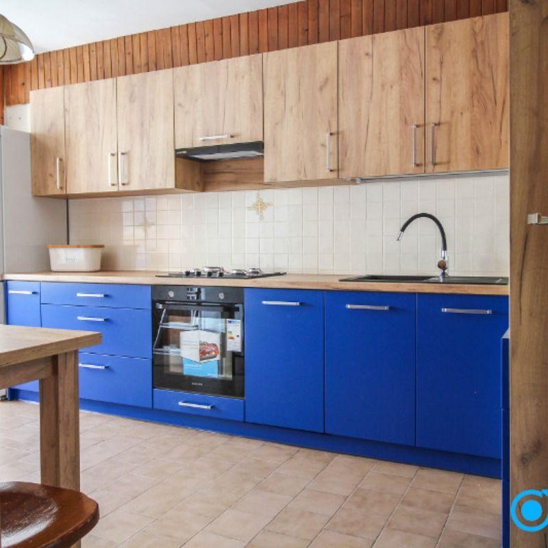 Kuchnia Z Niebieskimi Frontami Na Zamowienie Home Kitchen Home Decor