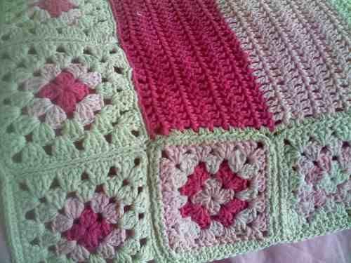 84e311a25 Manta Rayas Y Cuadros Tejida A Mano Al Crochet Algodón | Colchas a ...