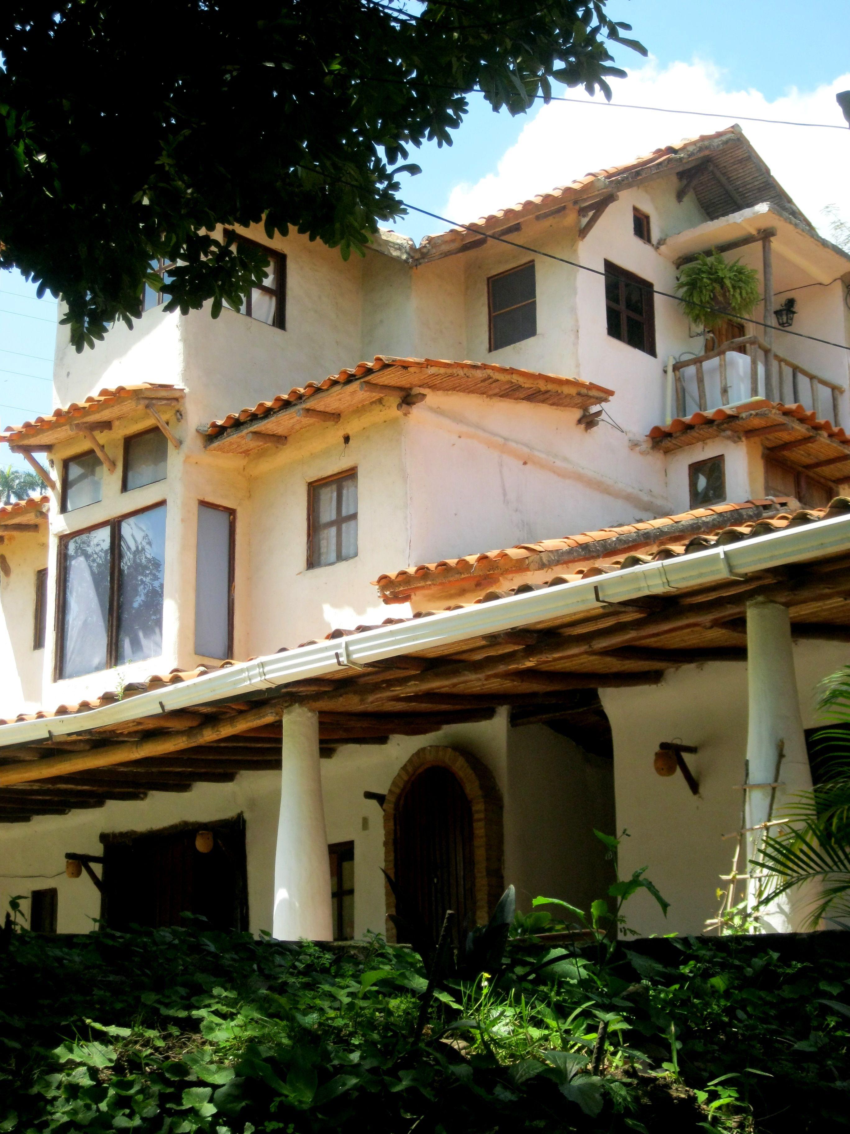 tomada por mi D old house in Maracacuay, Caracas