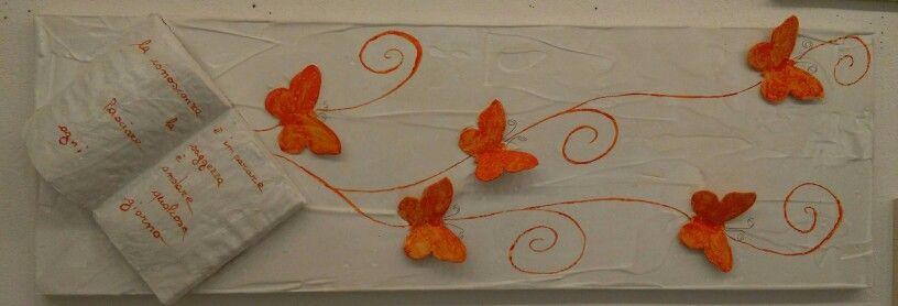 Pannello decorativo von libro e farfalle in rilievo