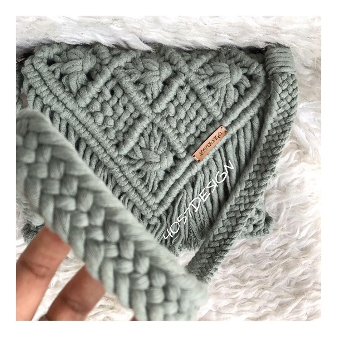 """Photo of 4057 DESIGN on Instagram: """"Küf yeşili makrome çantamız ✨ . . Tasarım @4057design a aittir. . . Sipariş ve bilgi için DM . . .  #belcantasi #freebag…"""""""