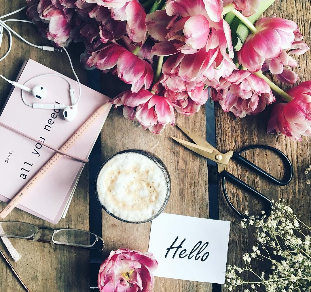 "4,561 tykkäystä, 211 kommenttia - Birgitte (@birgittetheresa) Instagramissa: ""Hello Wednesday 🌸☕️ . . . . . . . . #foreverfaffing  #ccseasonal  #inspiredbypetals #petalsandprops…"""