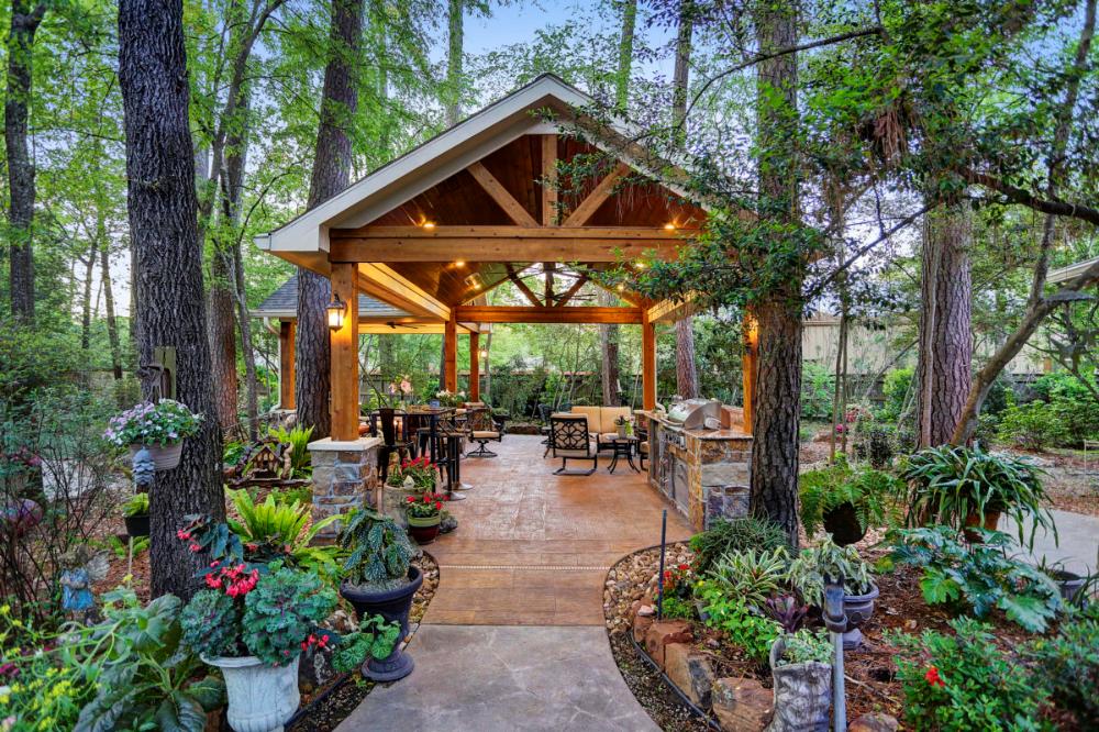 Outdoor Retreat In Kingwood Texas Custom Patios In 2020 Outdoor Retreat Outdoor Living Patios