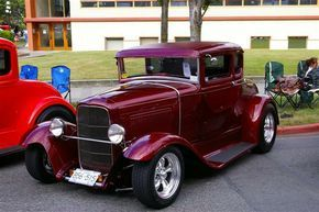 75th Anniversary of 32 Deuce Coupe in Victoria BC…750 Cars Came to Town !!