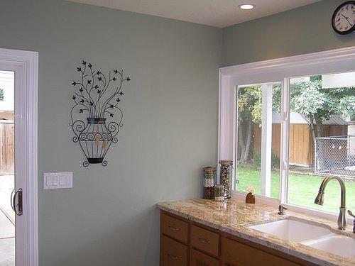 real homes] light green kitchen: benjamin moore's 'saybrook sage