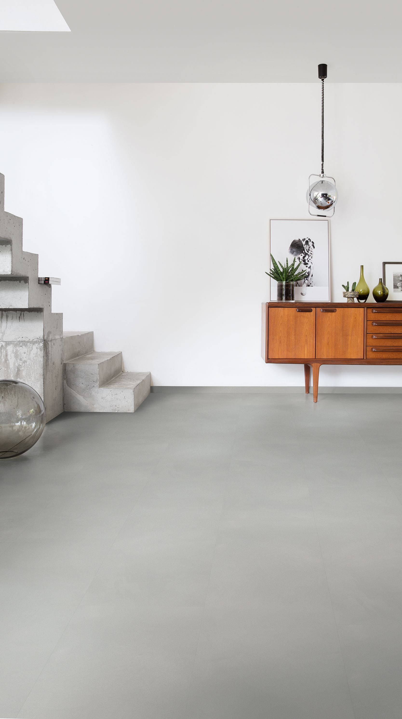 Finding The Ideal Hallway Flooring In 2020 Hallway Flooring Modern Hallway Hallway Inspiration