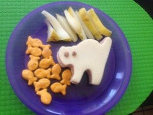 Cute little lunch for tots. Super easy!