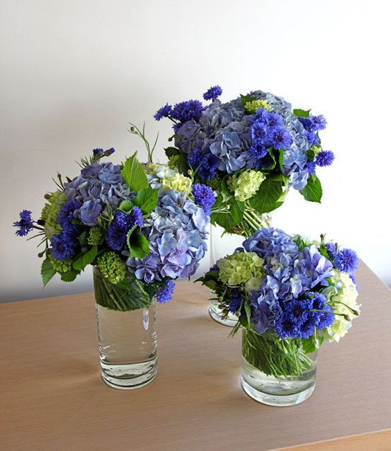 Blue reception wedding flowers wedding decor blue for Small flower decorations for tables