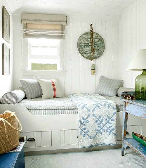 Cottage Daybed Ideas   wwwpletely-coastal/2017/06 - Daybed Images