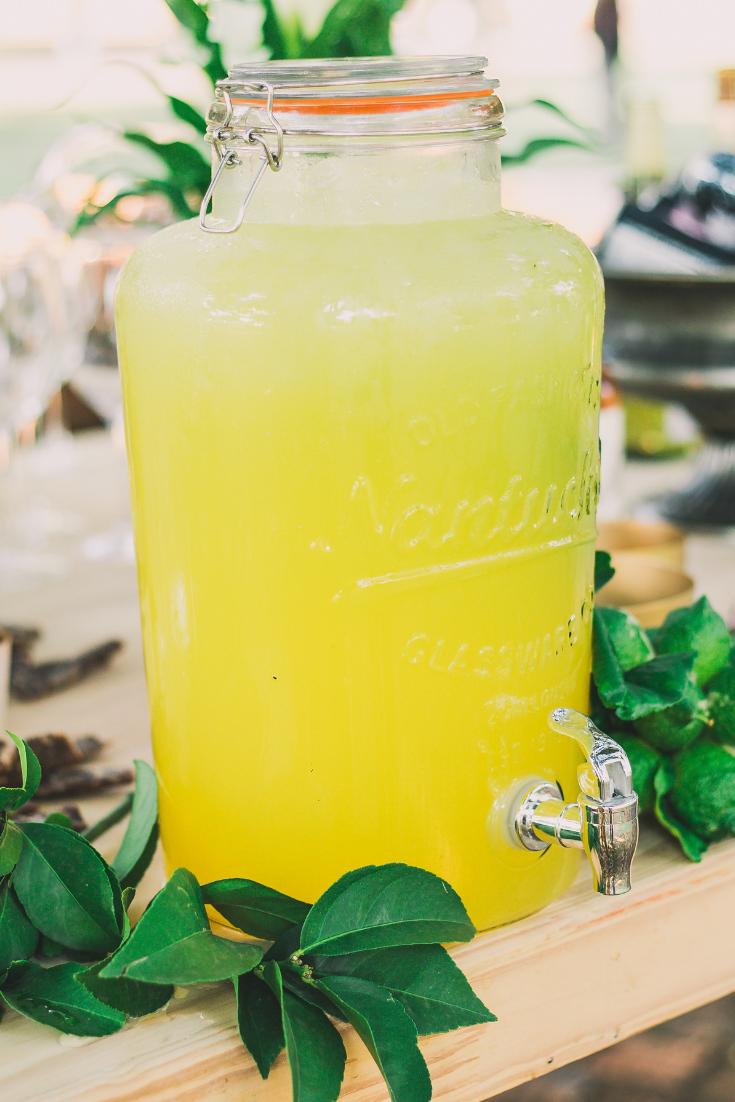 Easy Lemonade Recipe Using Kool-Aid and Fresh Lemons – Totally Terri #easylemonaderecipe
