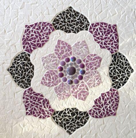 Mandala Mauve Avec Images Fleurs En Mosaique Motifs En