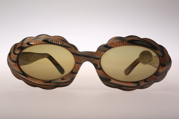 Moschino by Persol M272 Vintage Sunglasses NOS Verry RARE Lovely unique frame.