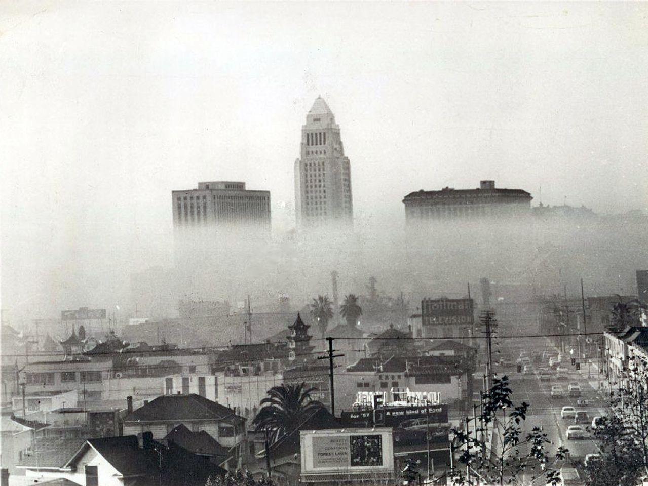 Smog In Downtown Los Angeles December 11 1958 Bizarre Los Angeles Los Angeles History Los Angeles Vintage Photos