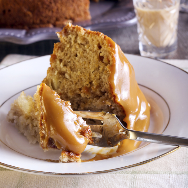 recipe: pear cake with caramel sauce [21]