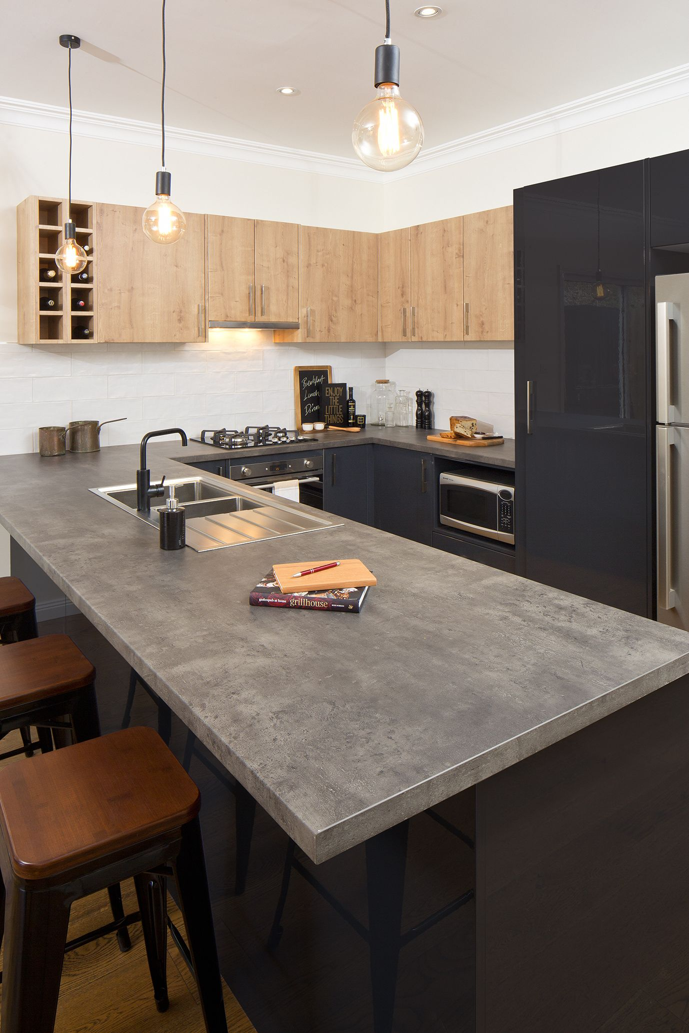 Flat Pack Kitchens Gallery   A Rustic Paradise Kitchen Benchtop