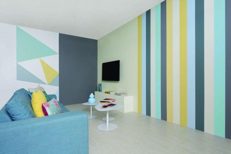 vertikale streifen in gelb, mintgrün und blau im wohnzimmer ...