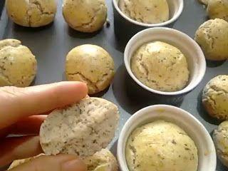 #BomDia! 12 minutinhos no forno e os Pãozinho de Coco Simples já estão prontos, lembrando que são Sem Glúten e Sem Lactose!  #Receita aqui: http://www.gulosoesaudavel.com.br/2015/09/01/paozinho-coco-simples/