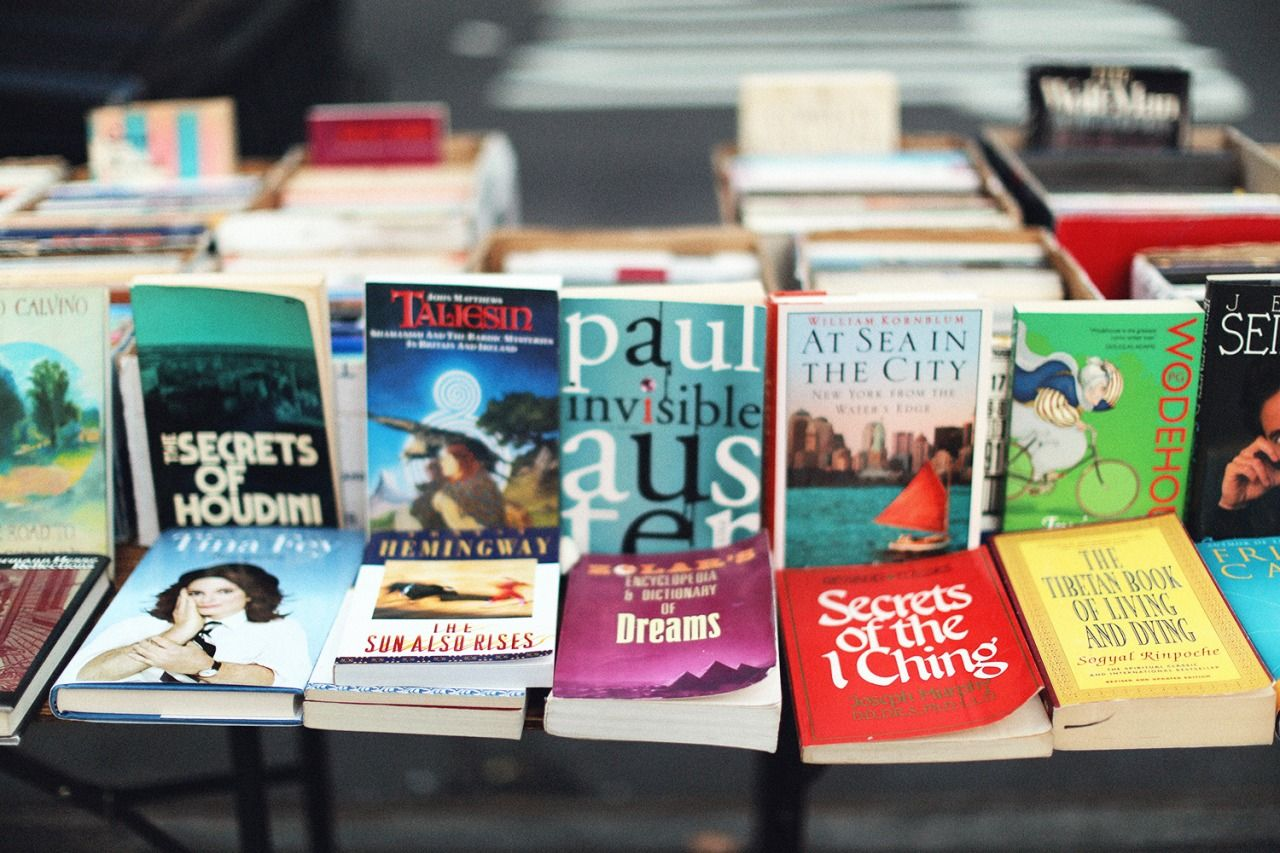 Books for sale on West 4th Street. Source: Hawaiian Coconuts