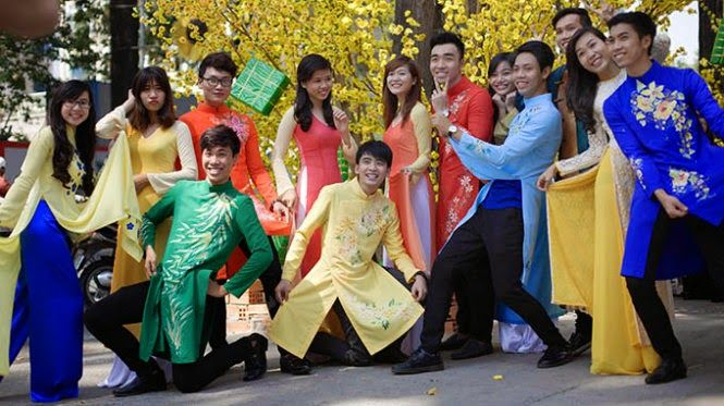 http://hkphone.com.vn/dien-thoai-cam-ung-gia-re-20140910101424442.html