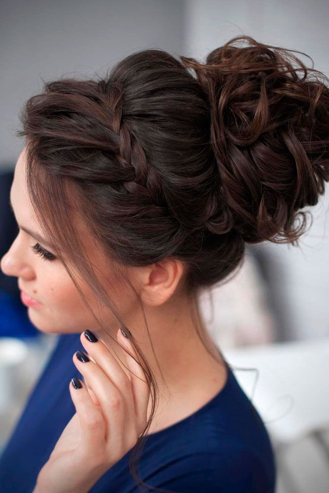 27 Chic Hairstyle Ideas For A Party Lovehairstyles Com Curly Homecoming Hairstyles Bridesmaid Hair Updo Medium Length Hair Styles