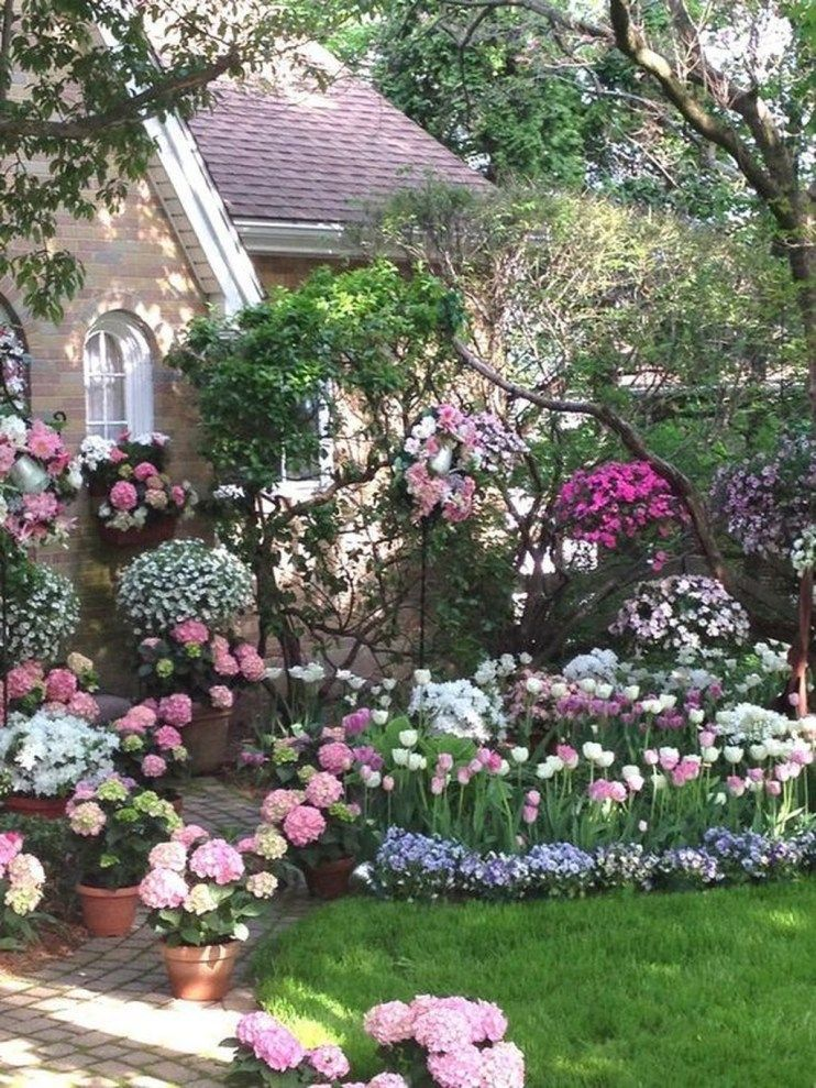 36 Stunning Front Yard Cottage Garden Landscaping Ideas ... on Cottage Yard Ideas id=70887