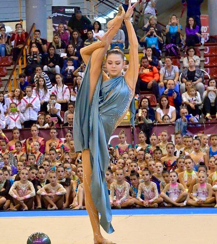 <<Alina Maksymenko (Ukraine) # Alina Maksymenko's Gala>>