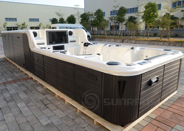 indoor hot tub with tv - Google Search | media inspired SPA ...