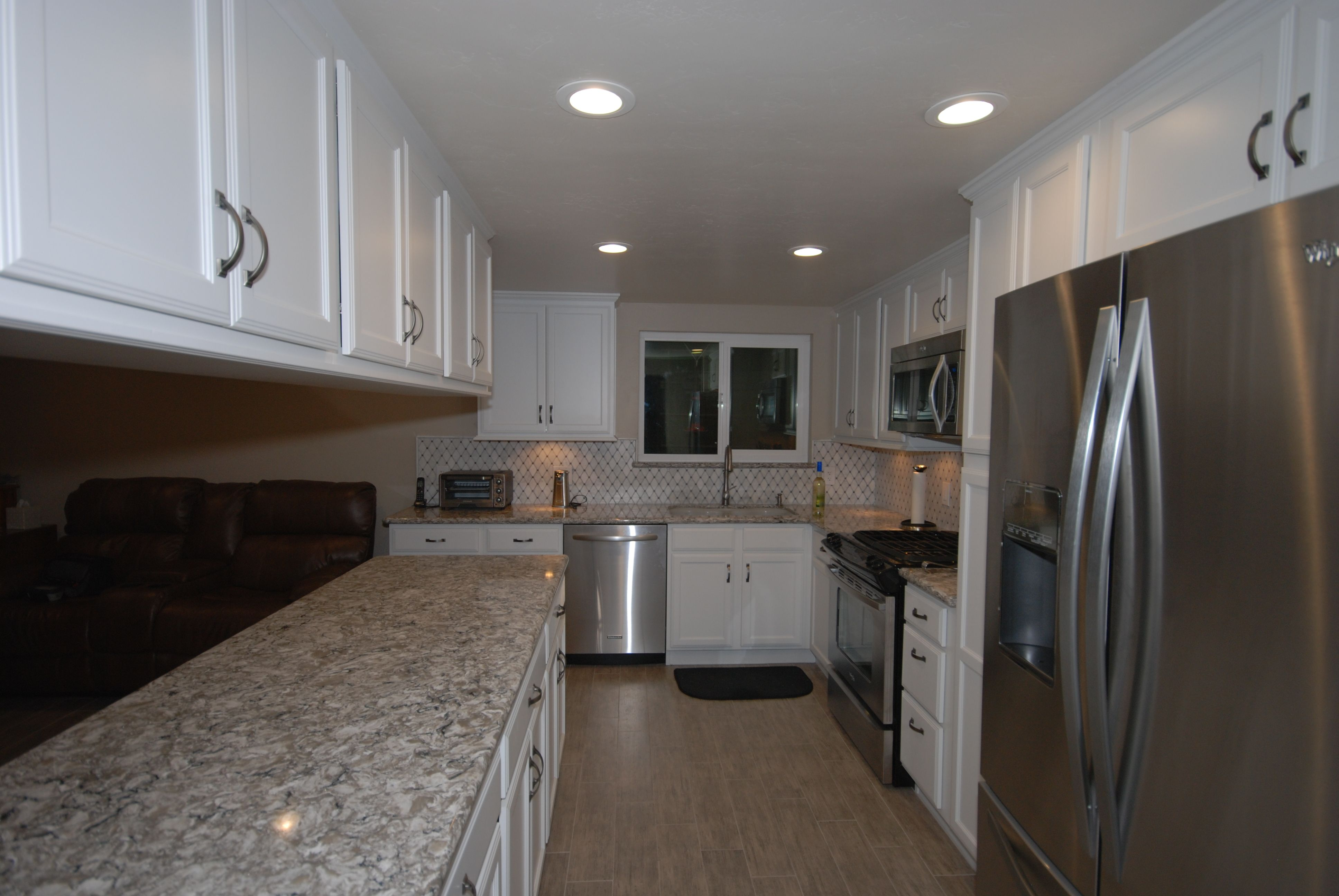Bakersfield Kitchen And Bathroom Cabinets And Design Blue River Cabinetry And Constru White Kitchen Remodeling Kitchen Cabinets In Bathroom Kitchen Renovation