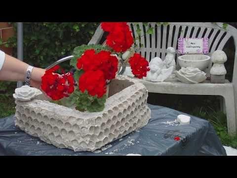 blumenk bel aus beton ganz einfach in einem karton gegossen youtube betonov dekorace. Black Bedroom Furniture Sets. Home Design Ideas