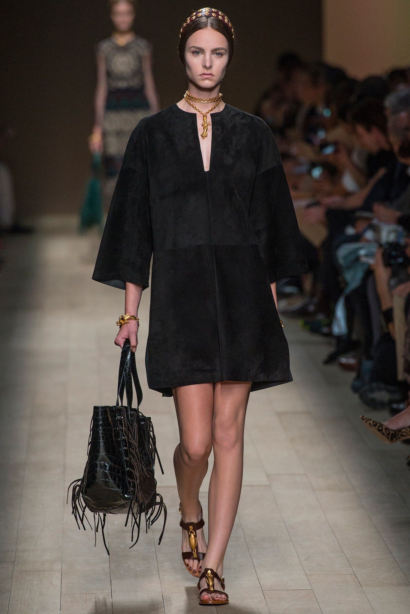 Valentino Spring 2014 Ready-to-Wear Fashion Show - Estella Brons