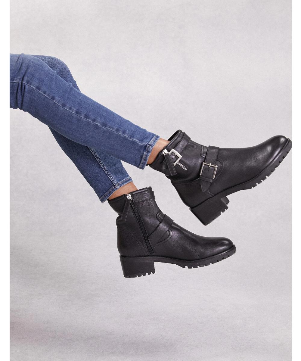 short biker boots, white T, simple
