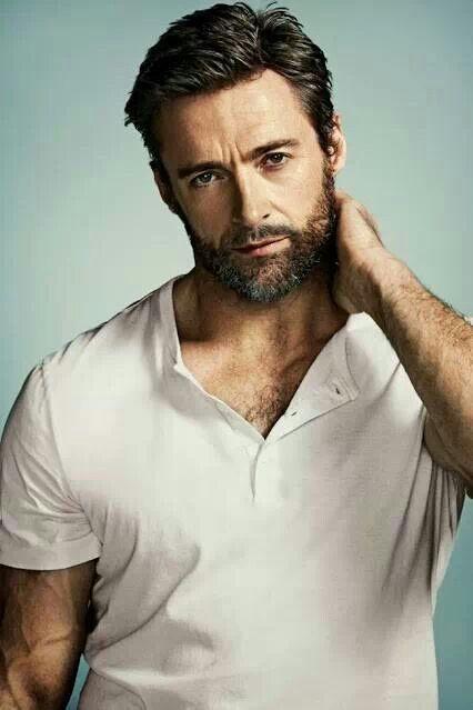 Hugh Jackman Howwww Is This Man So Fine In A Plain Ole Shirt Hugh Michael Jackman Hugh Wolverine Homens