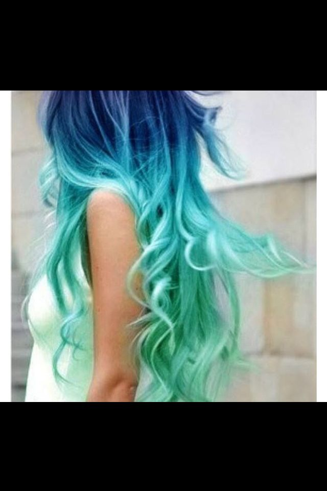 Blue ombré: love the twist on the colors.