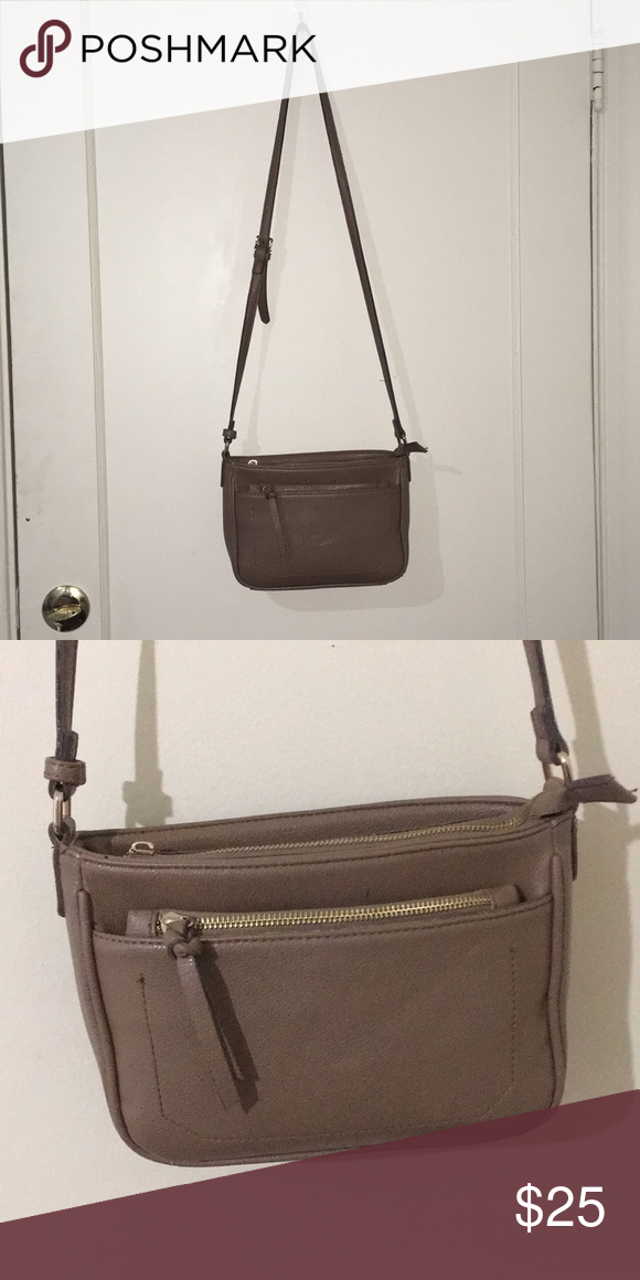 Street Level Tan Crossbody Bag Great Condition Has Many Pockets Bags