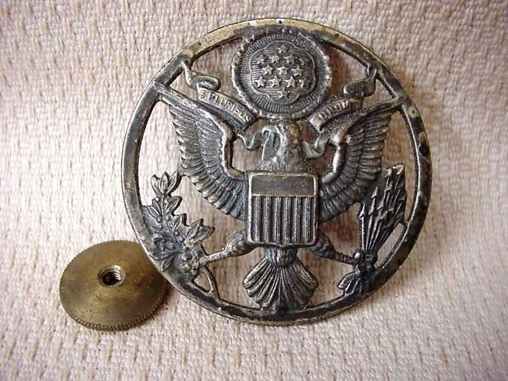 WWII US Military Large Round Eagle Pin Badge 13 Stars ...