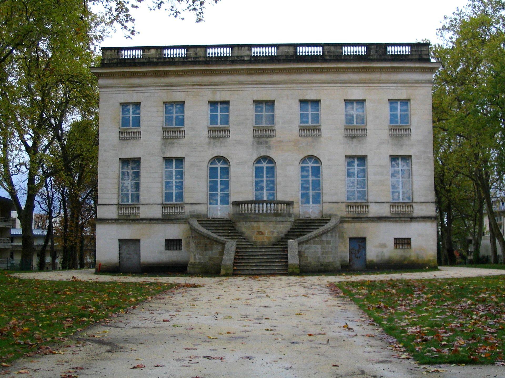 Le Façade Nord Du Château Peychotte, Qui Appelée également Maison Carrée  Du0027Arlac