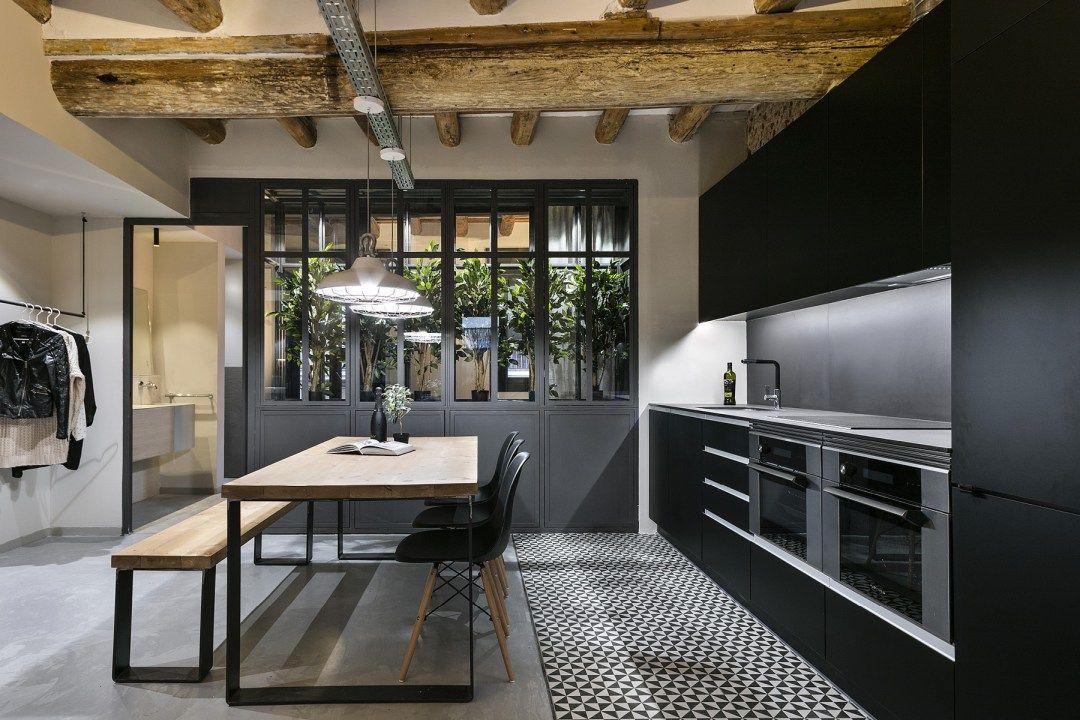 revestimientos modernos Reformas Barcelona piso diáfano interiores