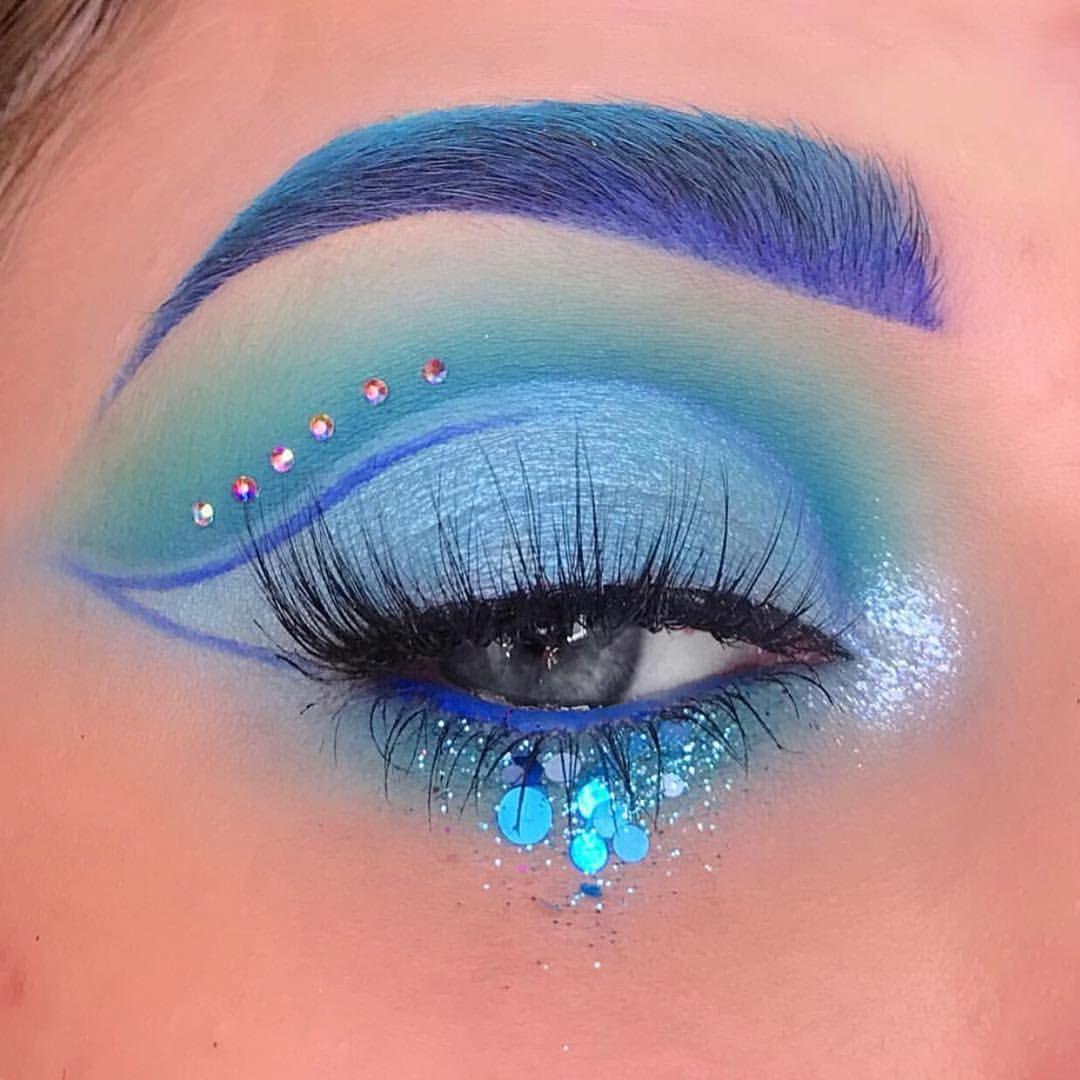 Jeffree Star Blue Blood Palette look blueblood