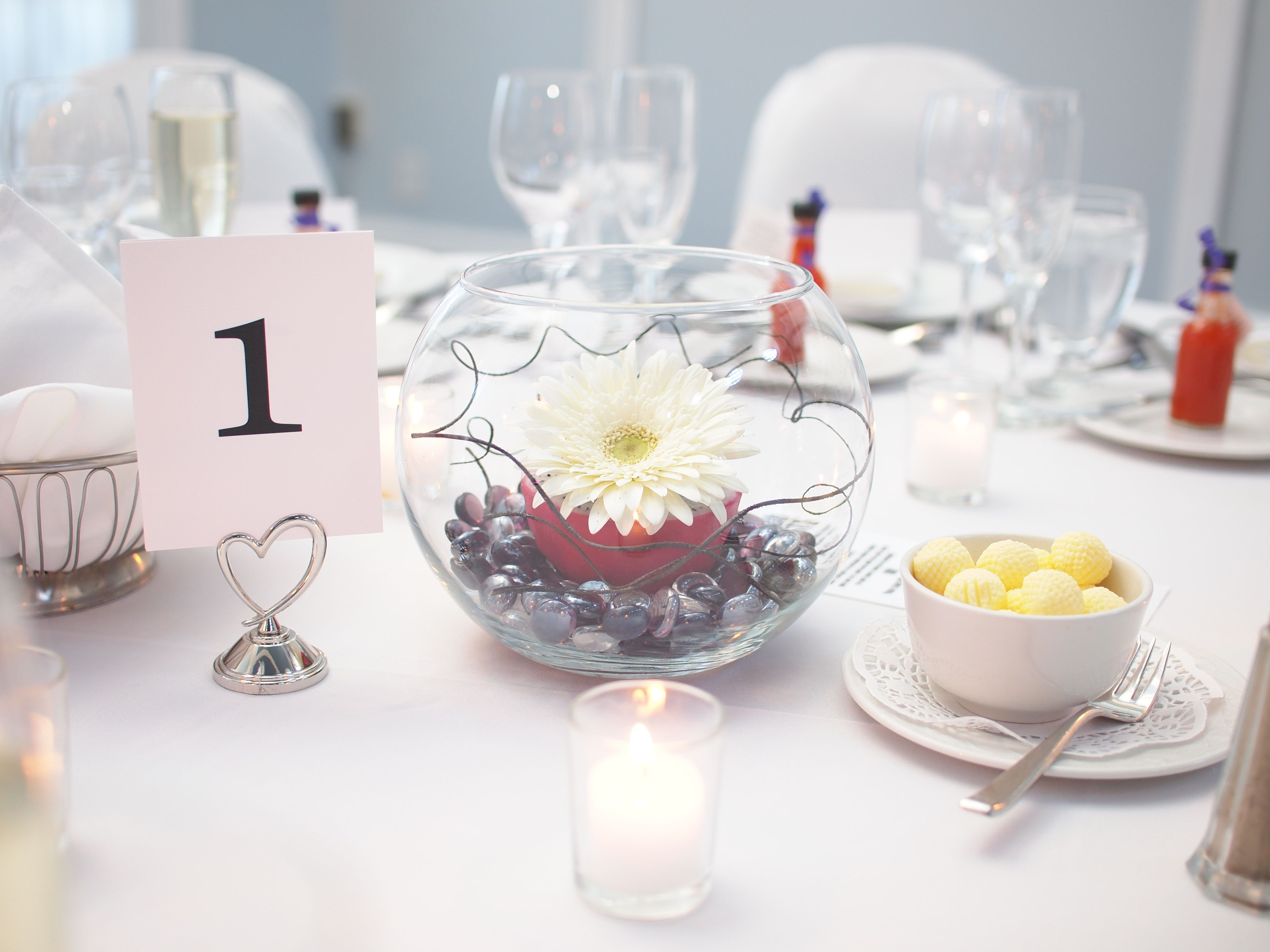 Wedding Centerpieces --- Using a Gerber Daisy, a Dragon Fruit ...