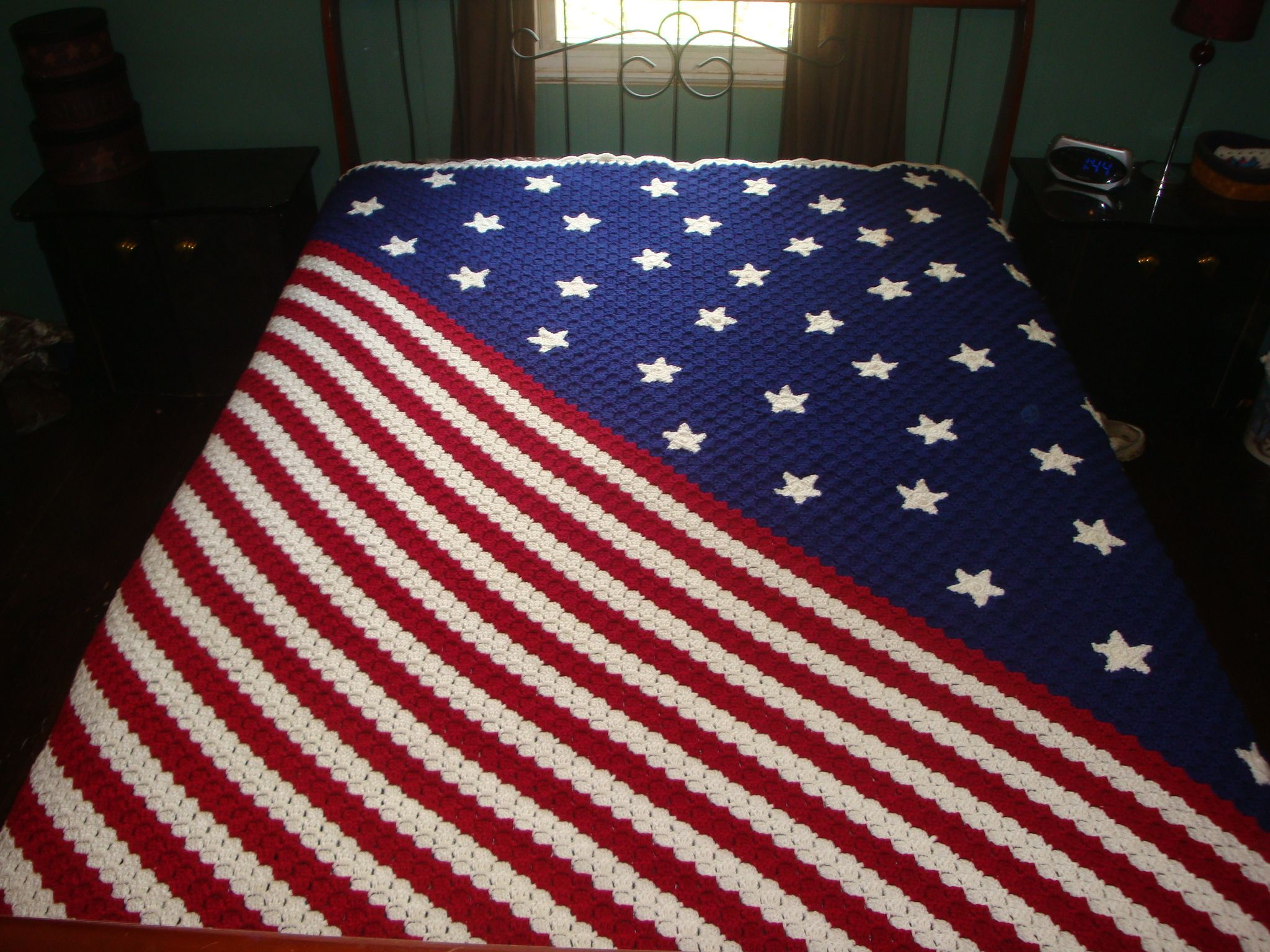 My interpretation of the corner to corner afghan from redheart sarahs bits and pieces crochet stars and stripes corner to corner afghan bankloansurffo Images