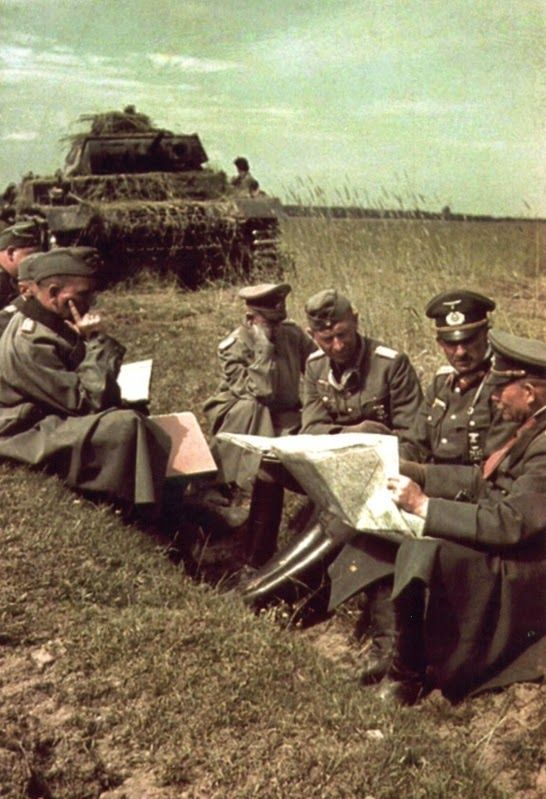 Guderian at a map briefing in Russia 1941 WW2