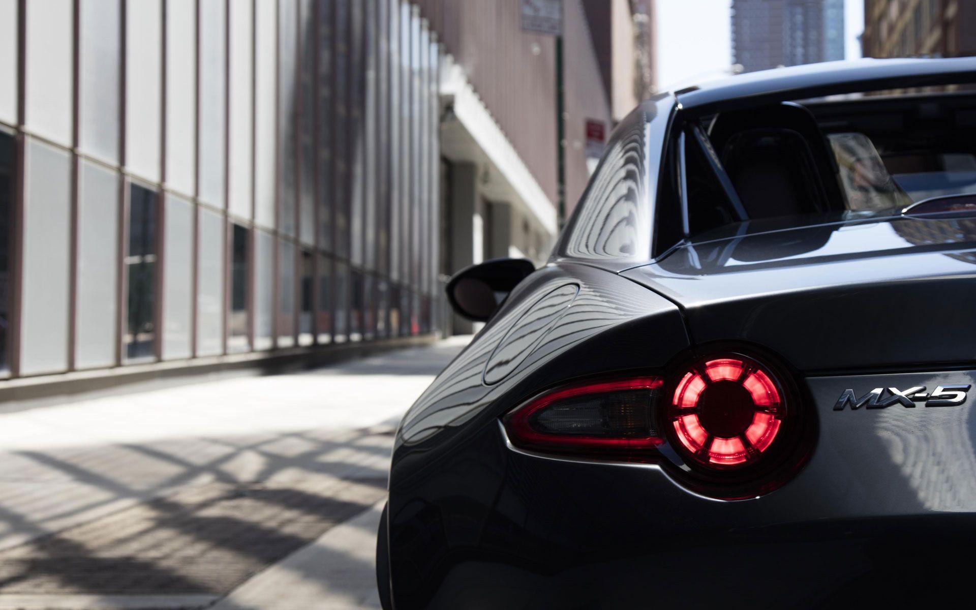 2017 Mazda MX5 Miata RF Design & Performance Features