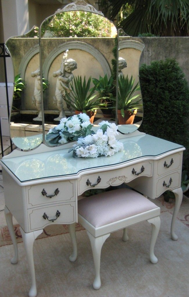 French Provincial Bedroom Dressing Table Queen Anne Vintage