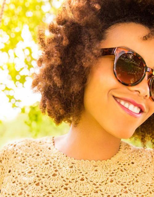 Deze kledingkleuren zorgen voor zelfvertrouwen, rust en een goed humeur