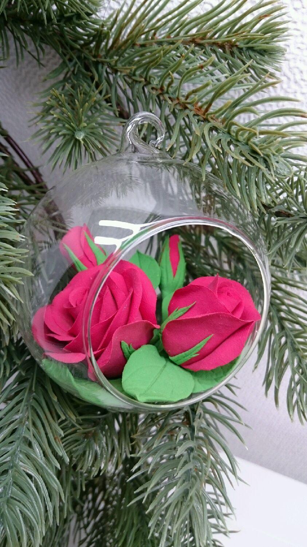 Купить Ёлочный стеклянный шар с бордовыми розами из полимерной глины - шар с цветами