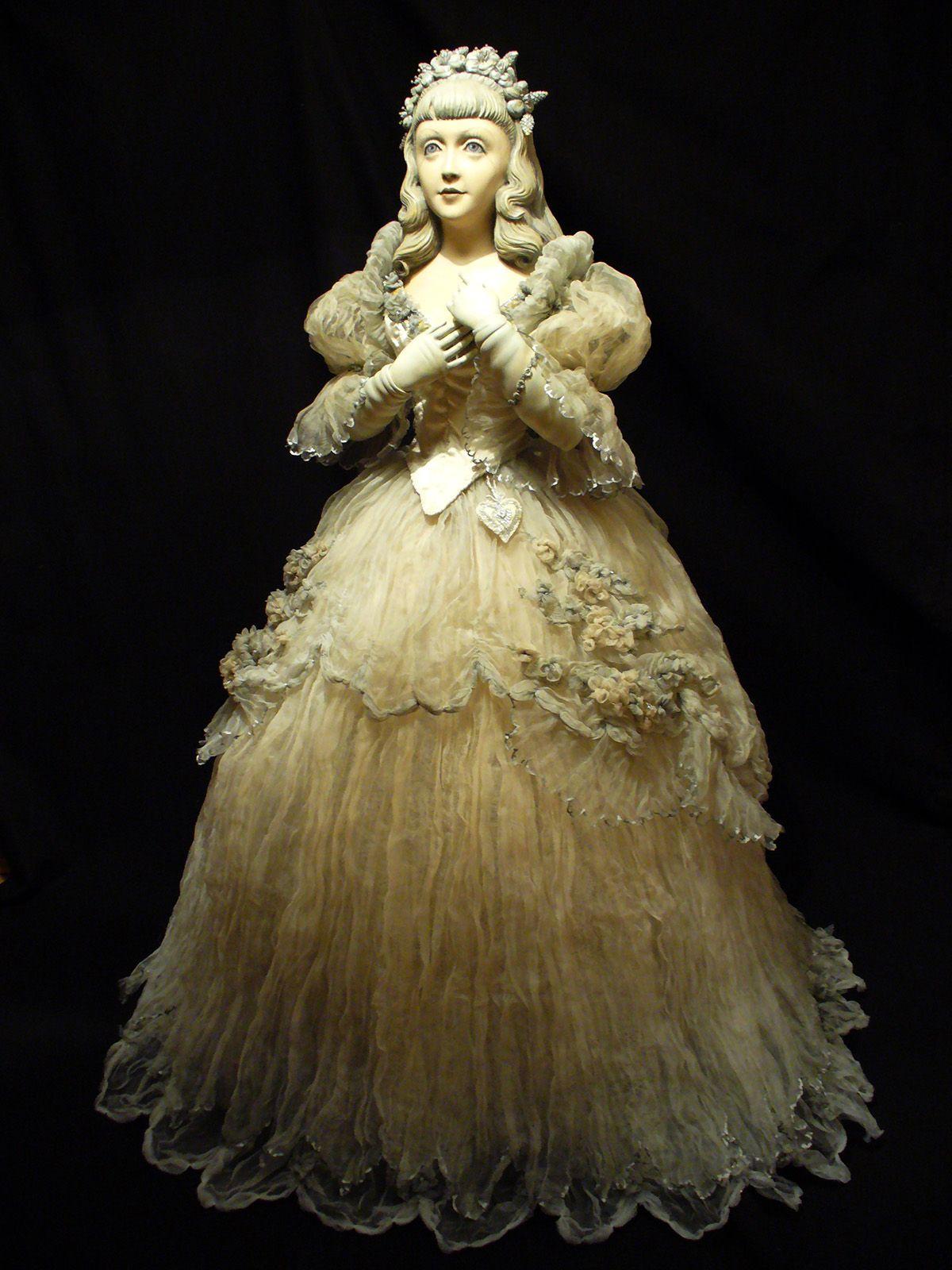 Wooden dolls from Julia Sochilina