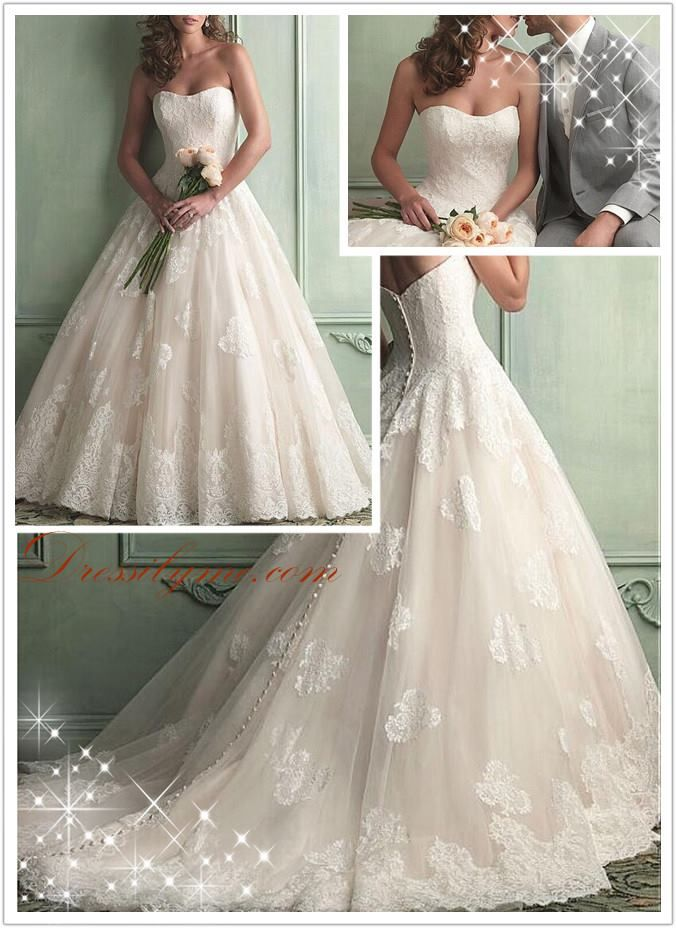 Stunning #ballgown #weddingdress decorated with pretty lace appliques!