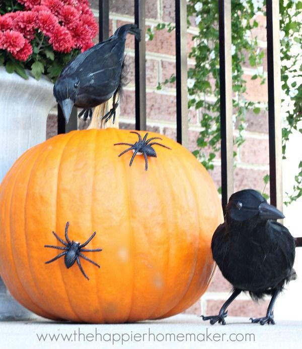 Halloween Porch Decor #DamageFreeDIY Halloween porch - decorating front porch for halloween
