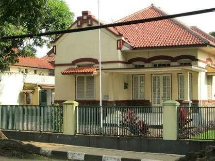 281e37638086e5db3c2f4412b466ac07 Jpg 443 332 Arsitektur Kolonial Arsitektur Rumah Tua